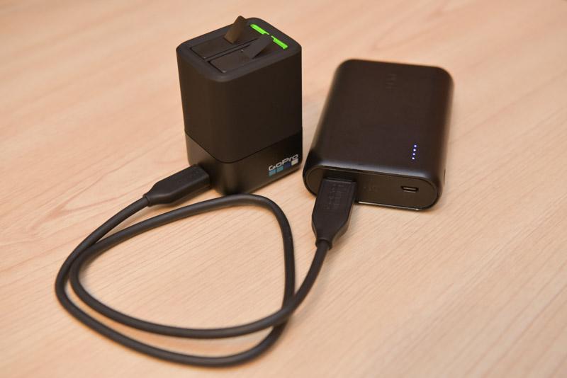 モバイルバッテリーで充電ができる