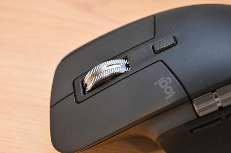 MX Master3のホイールは金属製で質感はバツグン