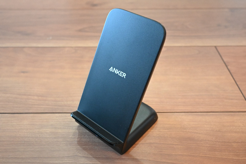 Anker PowerWave 7.5 Standの外観